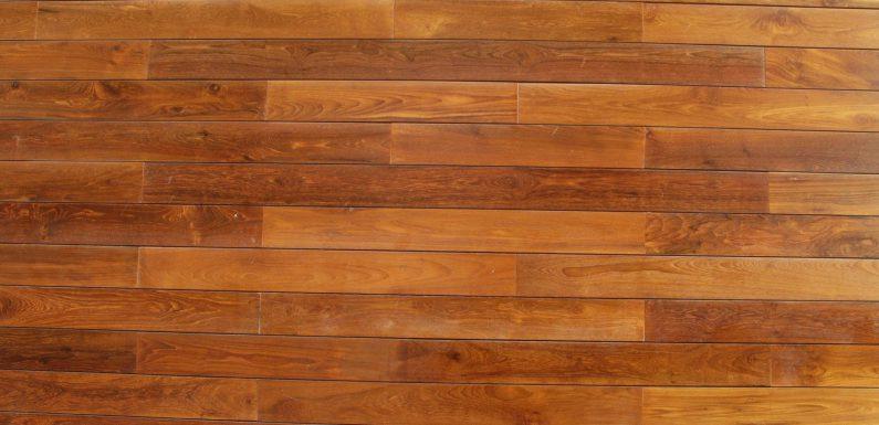 Drewniane elementy i meble oraz obróbka drzewa